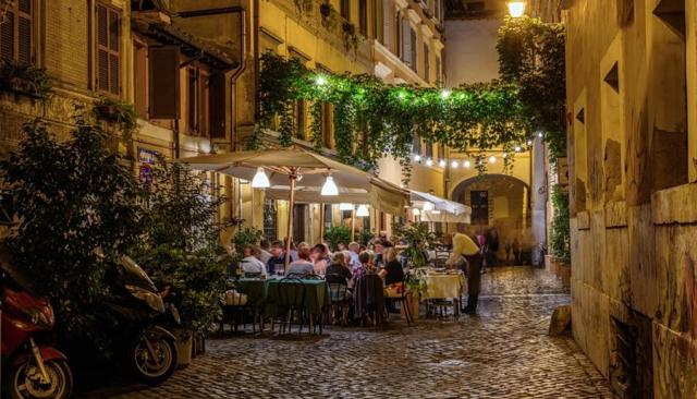 Canone-occupazione-suolo-pubblico-tavolini-bar-strada roma cosap